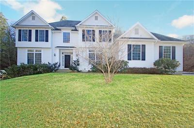 Southbury Single Family Home For Sale: 43 Country Woods Lane