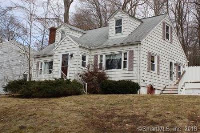 Trumbull Single Family Home For Sale: 50 Pinewood Trail