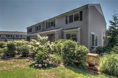 Milford CT Condo/Townhouse For Sale: $399,000
