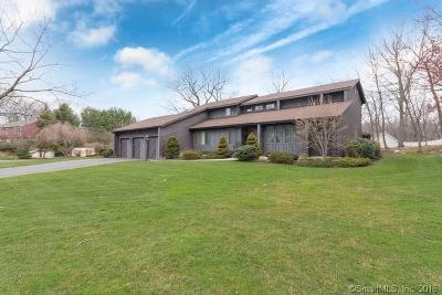 Stratford Single Family Home For Sale: 135 Nutmeg Lane