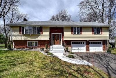 Wethersfield Single Family Home For Sale: 31 Carriage Hill Drive