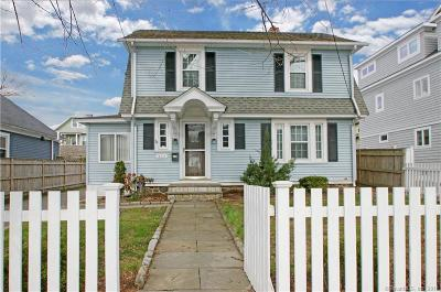 Bridgeport Single Family Home For Sale: 333 Grovers Avenue