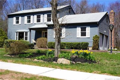 Middletown Single Family Home For Sale: 220 Acorn Drive