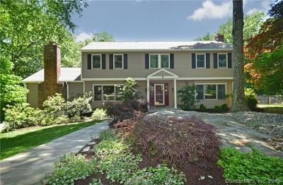 Ridgefield Single Family Home For Sale: 45 Acorn Place