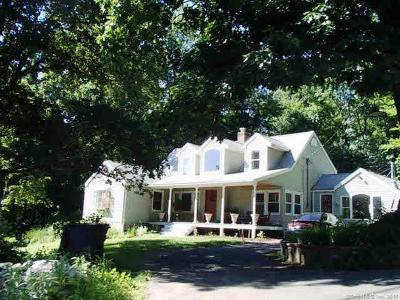 Wolcott Single Family Home For Sale: 72 Brooks Hill Road
