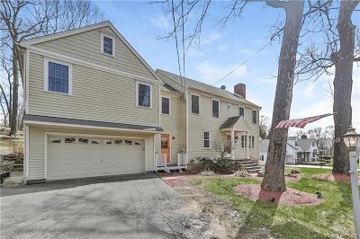 Shelton Single Family Home For Sale: 132 Mohegan Road