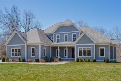 Newtown CT Single Family Home For Sale: $1,050,000