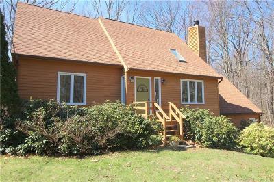 Hamden Single Family Home For Sale: 60 Still Wood Road