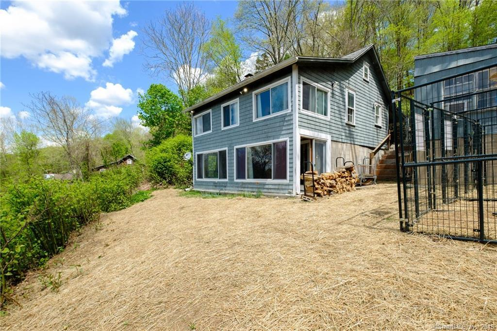 Wondrous 2 Bed 1 Full 1 Partial Baths Home In Southbury For 194 900 Interior Design Ideas Gentotryabchikinfo