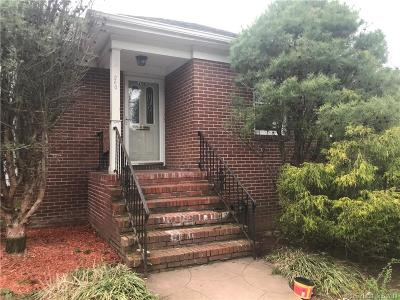 New Haven Single Family Home For Sale: 260 Colony Road
