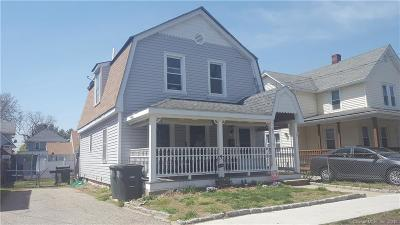 Milford Single Family Home For Sale: 32 Camden Street