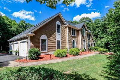 Cheshire Single Family Home For Sale: 4 Red Oak Place