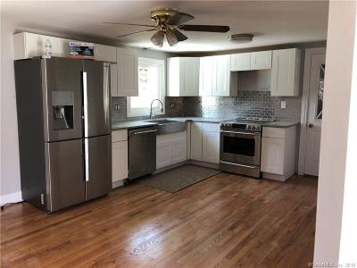 Danbury Single Family Home For Sale: 18 Cozy Hollow Road