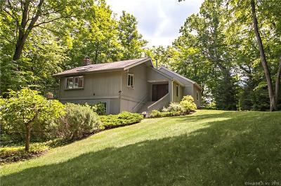 Ridgefield Single Family Home For Sale: 73 Lakeside Drive