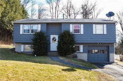 Torrington Single Family Home For Sale: 88 Weaver Street