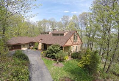SHERMAN Single Family Home For Sale: 8 Chestnut Hill Road