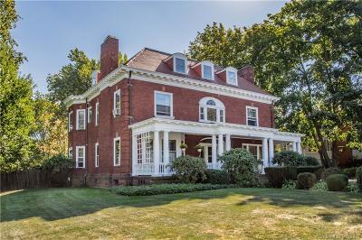West Hartford Single Family Home For Sale: 735 Farmington Avenue