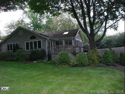 Trumbull Single Family Home For Sale: 85 West Lake Road