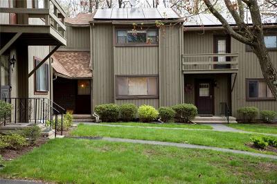 Derby Condo/Townhouse For Sale: 45 Orangewood West #45