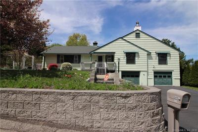 Trumbull Single Family Home For Sale: 40 Hickory Street