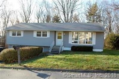 Naugatuck Single Family Home For Sale: 24 Debbie Lane