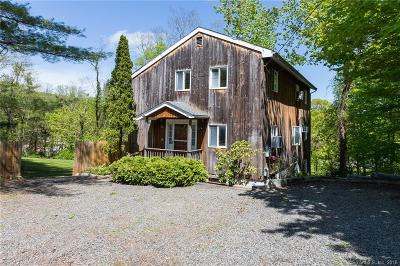 Ridgefield Single Family Home For Sale: 351 Bennetts Farm Road