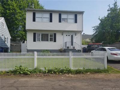 Bridgeport Single Family Home For Sale: 61 Elm Court