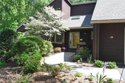 West Hartford Condo/Townhouse For Sale: 28 Ironwood Road