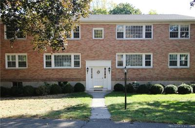 New Canaan Condo/Townhouse For Sale: 137 Heritage Hill Road #C