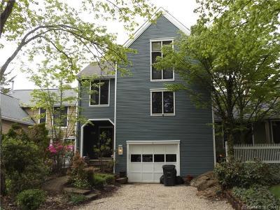Farmington Condo/Townhouse For Sale: 3 Farm Drive #3