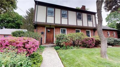 West Hartford Single Family Home For Sale: 104 Newport Avenue