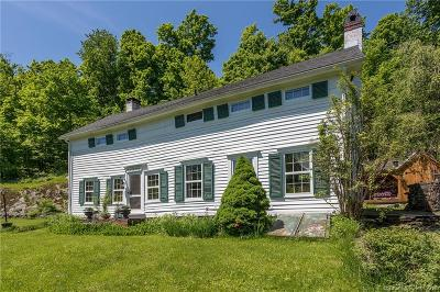 Fairfield County Single Family Home For Sale: 57 Spring Lake Road