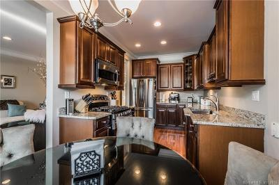 West Hartford Single Family Home For Sale: 32 Park Place Circle #32