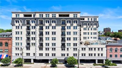 New London Condo/Townhouse For Sale: 461 Bank Street #701