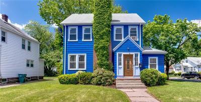Hamden Single Family Home For Sale: 92 Glenbrook Avenue