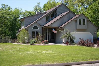 Single Family Home For Sale: 23 Oxbow Lane