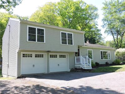 Middlebury CT Single Family Home For Sale: $329,900