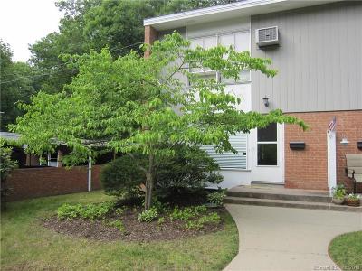 Hamden Condo/Townhouse For Sale: 71 North Lake Drive #71