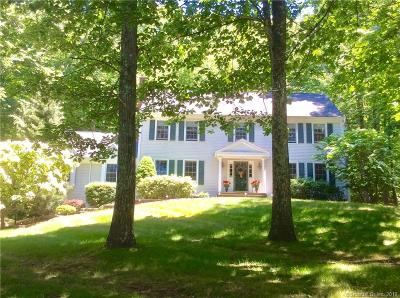 Southbury Single Family Home For Sale: 163 Coachmans Drive
