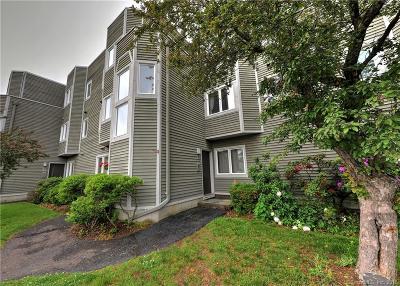 Hamden Condo/Townhouse For Sale: 1412 Whitney Avenue #H2