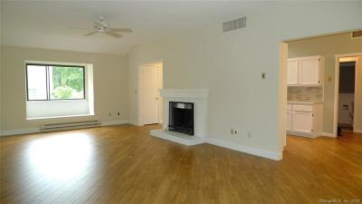 Southbury Condo/Townhouse For Sale: 690a Heritage Village #690A