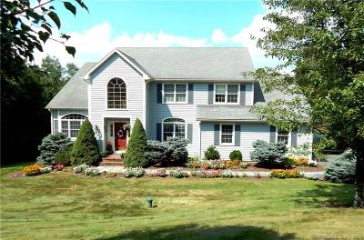 Southbury Single Family Home For Sale: 153 Hinman Lane