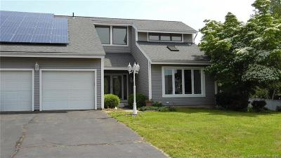 Southington Single Family Home For Sale: 931 West Center Street Extension