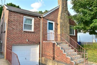 Waterford Single Family Home For Sale: 759 Broad Street Extension