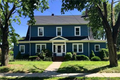 Bridgeport Single Family Home For Sale: 64 Hickory Street