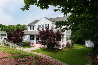Wolcott Single Family Home For Sale: 55 Colonial Court