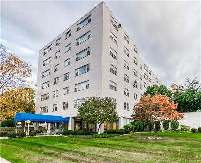 West Hartford Condo/Townhouse For Sale: 887 Farmington Avenue #3K
