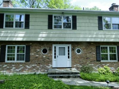Stamford Single Family Home For Sale: 39 Happy Hill Road