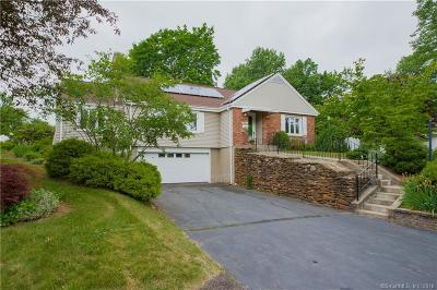 West Hartford Single Family Home For Sale: 1405 Trout Brook Drive