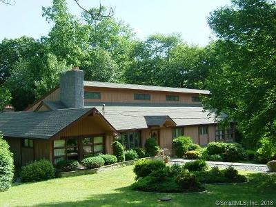 Trumbull Single Family Home For Sale: 41 Blue Ridge Drive